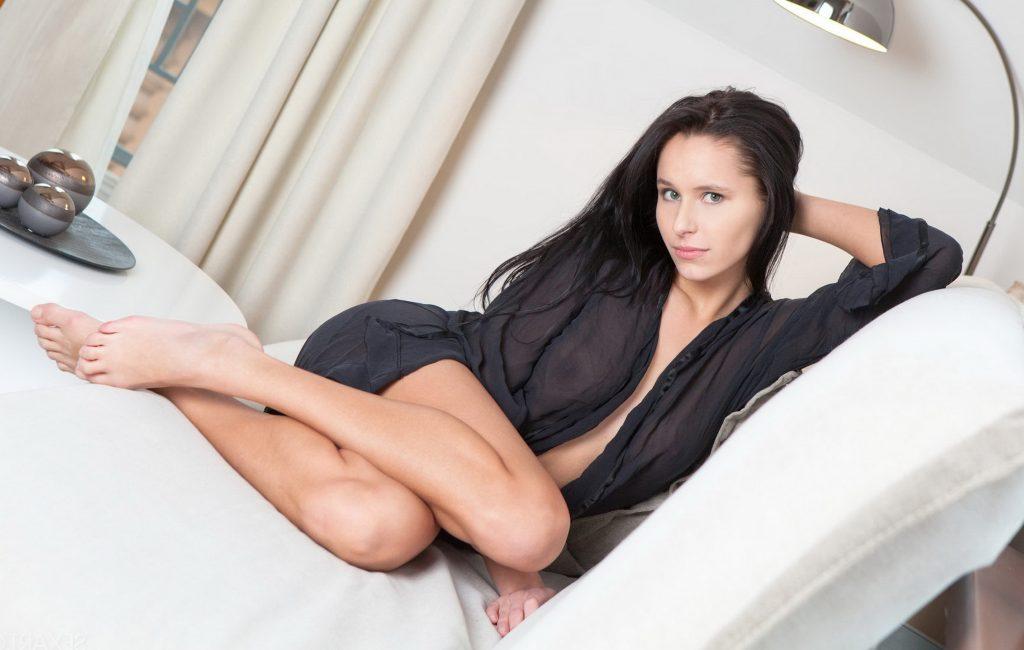 North London Escorts - Sexy Brunette
